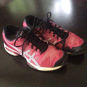 Asics gel athletic shoe